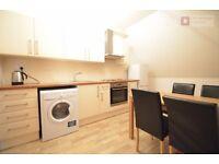 Hackney E9 -- Victoria Park --- Fantastic 3 Bed Apartment ---- NO LOUNGE -- E9 7RX --- £370pw --