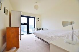 Stunning 3 bed, 2 bathroom new build with balcony, Bow E3