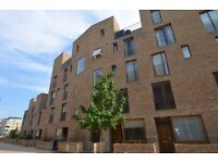 One Double Bedroom - New Build Ground Floor Apartment with Private Garden - Brentford Lock West