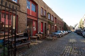 Desk space for creative freelancer in Victorian mews studio 5 mins from Kennington tube
