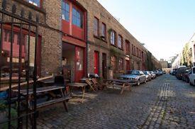 Desk space for creative freelancer in Victorian mews studio 5 mins from Kennington tube