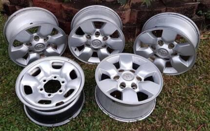"Toyota Hilux SR5 15"" Alloy Wheels"