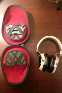V-Moda crossfade lp over-air headphones