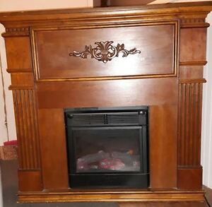 FIREPLACE IN MANTLE