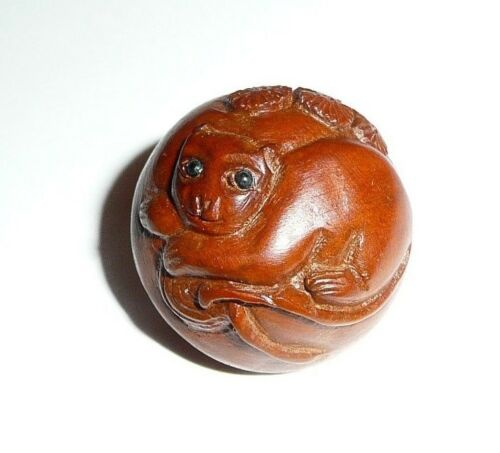 """Kitty Cat Hand Carved Round Boxwood Shank Button - Approx. 1""""  Wood Button"""