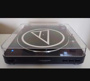 Record player/Turn Table Audio Technica IP60 like new!!