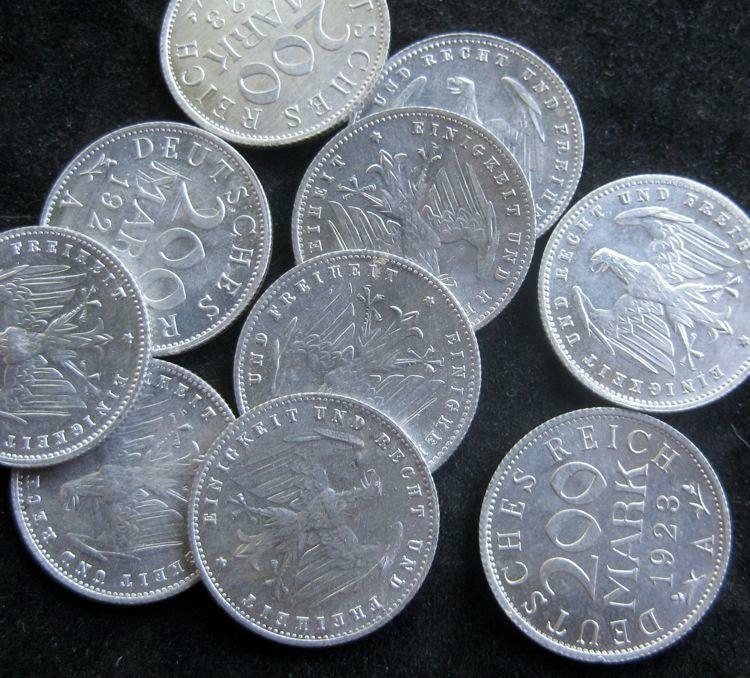German Weimar 200 Marks 1923 A  CH UNC-BU 10 coins