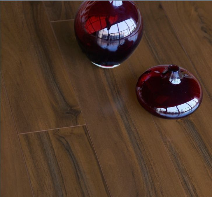 Colours Scherzo Dark Walnut Flooring 40 Er Than B Q Free Underlay