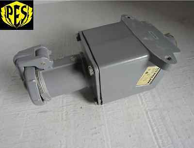 Hubbell Killark Vr631-s39 3p 3w 60a Pin And Sleeve Receptacle Housing Reverse