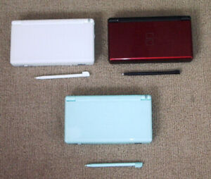 5 DS LITE CONSOLES-RED+WHITE+PINK+2 WITH CASES