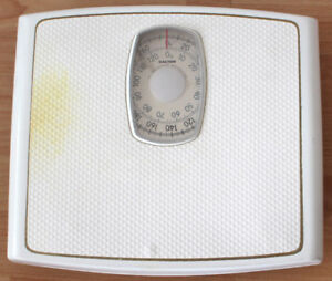 SALTER bathroom scale in good condition.