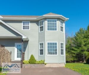 Newer Construction 3 Bedroom Duplex with Private Backyard in Die