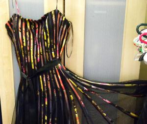 Robe de soirée ou robe de bal /  Aussi d'autres vêtements ...