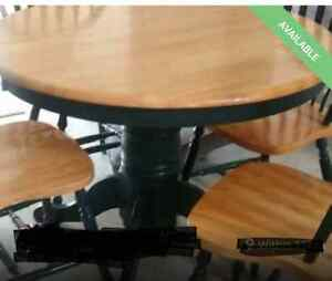 Round Pedestal Table & Chairs