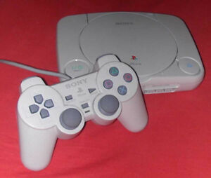 PSOne (Playstation 1) + 2 Controllers