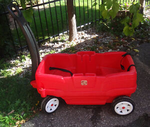 Step 2 wagon, Excellent condition Oakville / Halton Region Toronto (GTA) image 1