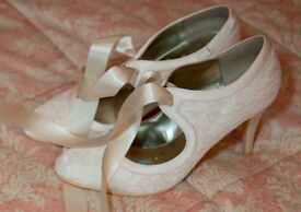 Vintage style ivory wedding shoes