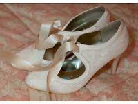 Vintage style ivory wedding shoes