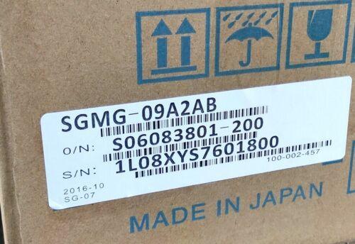 New Yaskawa SGMG-09A2AB Servo Motor In Box