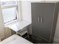 **SUPER CHEAP SINGLE ROOM IN FOREST GATE ALL INCLUDED AVAILABLE RIGHT NOW!!**