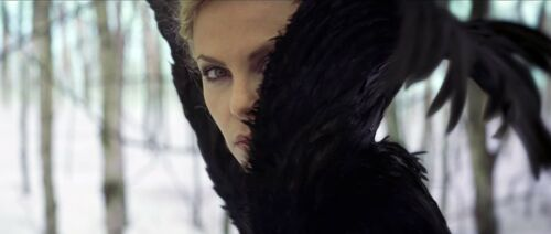 Charlize Theron - Snow White and the Huntsman / Movie Screen Worn Costumes / COA