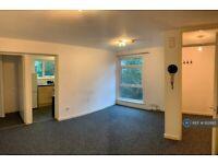 1 bedroom flat in Tettenhall Road, Wolverhampton, WV6 (1 bed) (#932610)