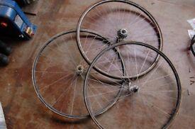 Classical mavic tubed road wheels