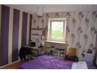 bright double bed room in an HMO flat near uni