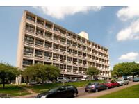 4 bedroom flat in Highcliffe Drive, Roehampton, SW1