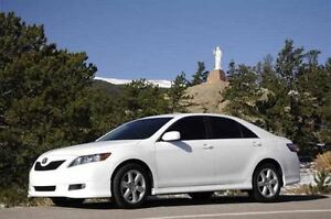 2009 Toyota Camry SE- LEATHER & MOONROOF