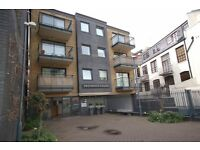 LOVELY 2 BED IN A PRIVATE DEVELOPMENT SE1. GYM + SAUNA INCLUDED ONLY £425PW! FANTASTIC LOCATION!