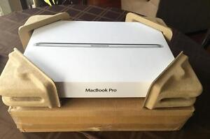 "Apple MacBook Pro 15.4"" Super-Portable with Retina Display Technology"
