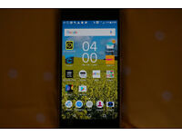 SONY XPERIA Z5 32Gb SMARTPHONE plus NEW BLUETOOTH H/PHONES AND CASE