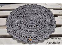 Grey lace rug.