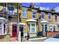 VIEWINGS SATURDAY! Lovely 2 bed house to let in Forest Gate, available 5 November