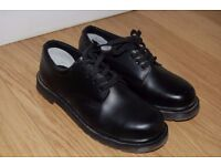 Safety shoes with steel toe cap, Size 6
