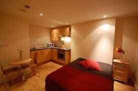 Neat and tidy fully self contained studio in the heart of Baker Street