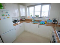 Modern 2 bedroom flat in Chadwell Heath available now part dss accepted with guarantor