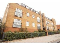 ONE BEDROOM FLAT OFFERED UNFURNISHED**GAS CENTRAL HEATING** DOUBLE GLAZED**WORKING TENANTS ONLY**