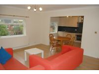 2 bedroom flat in Walm Lane, Mapesbury Conservation Area, NW2