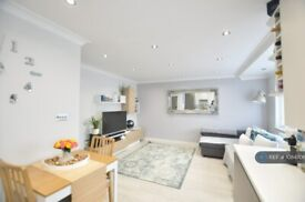 1 bedroom flat in Park Road, London, NW4 (1 bed) (#1084706)