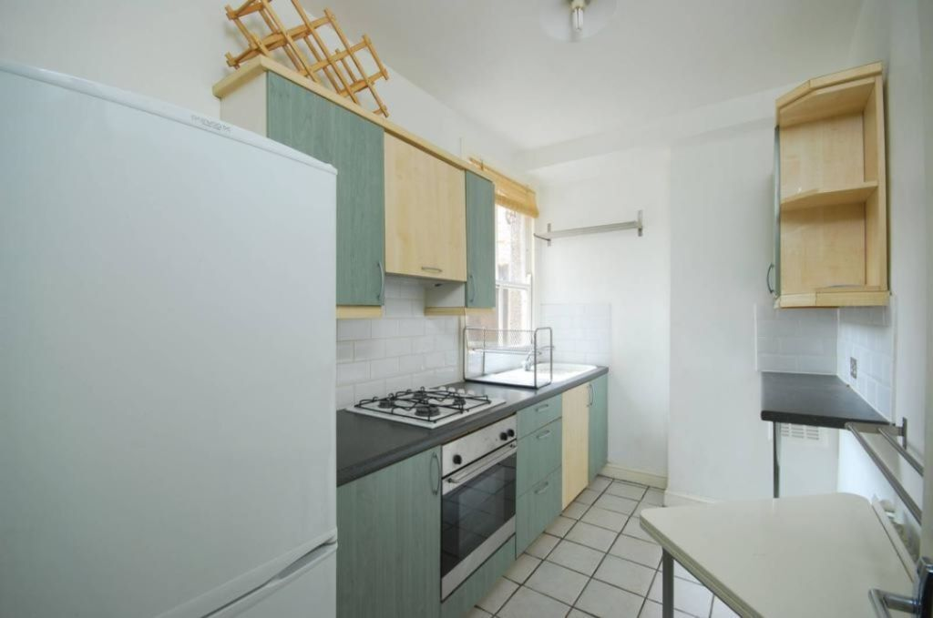 Immaculate Period Conversion Situated On Quiet Residential Road - SW16