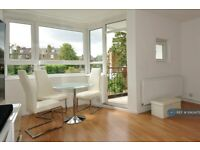 3 bedroom flat in Mannering House, London, SW2 (3 bed) (#1043475)