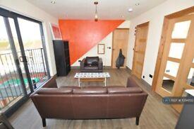 1 bedroom flat in Woodbank, London, N4 (1 bed) (#1094512)