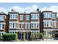 1 bedroom flat in Latchmere Road, London, SW11 (1 bed)