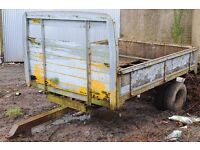 Twin wheel Trailer 8x5 in need of some tlc
