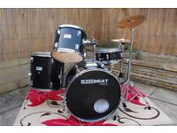 Drum Kit with Paiste symbols (Reduced Price)