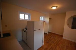 Large 1 & 3 Bedroom's Downtown on Bishop St- NOW-August 31st!