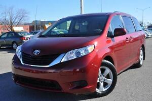 2013 Toyota Sienna LE 8 pass