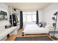 6 bedroom house in Alexandra Road, London, NW4 (6 bed) (#1154676)